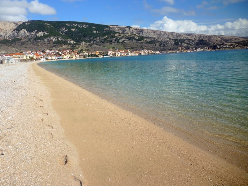 baska-beach-vela-plaza-17